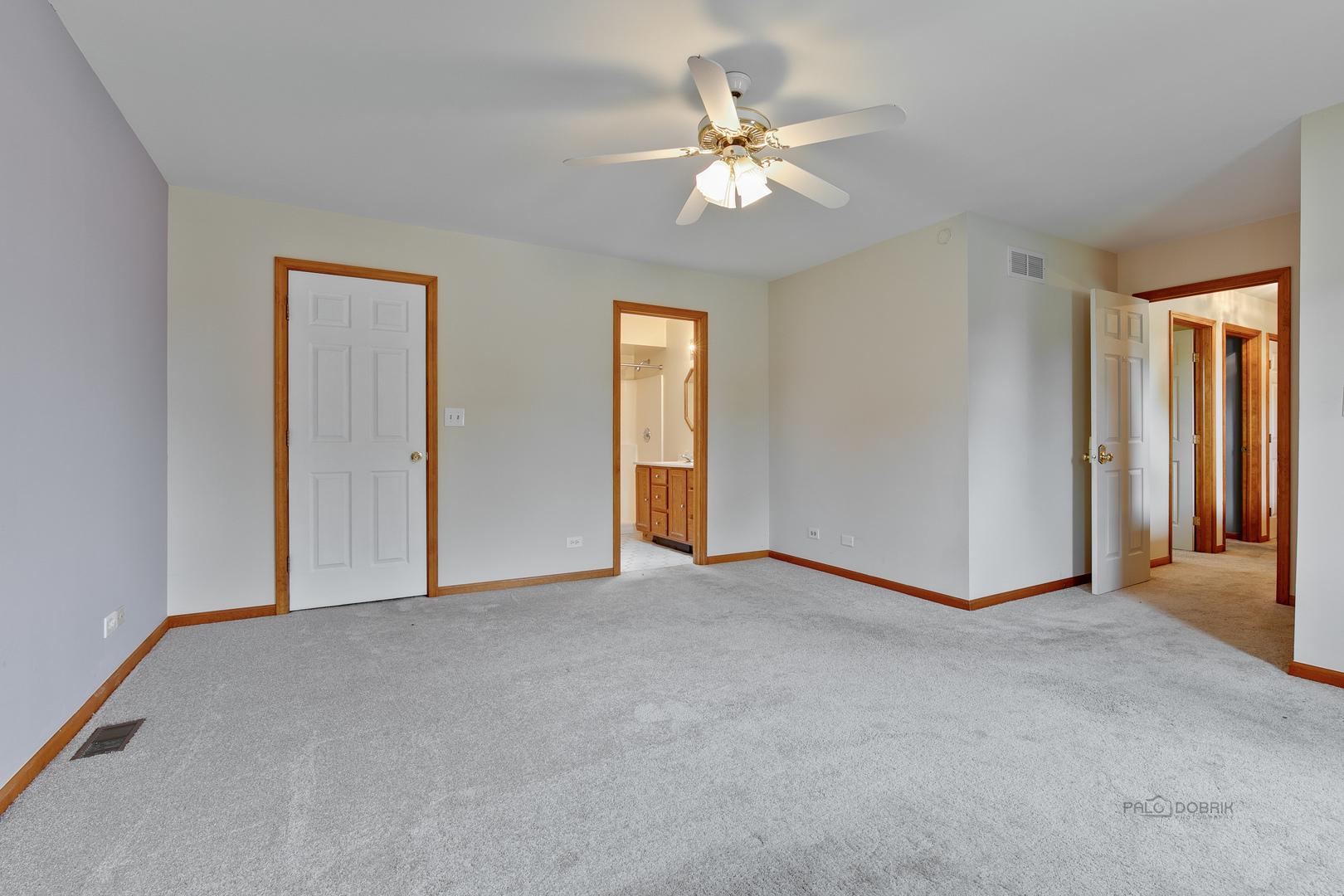1029 Apple Valley, Bartlett, Illinois, 60103