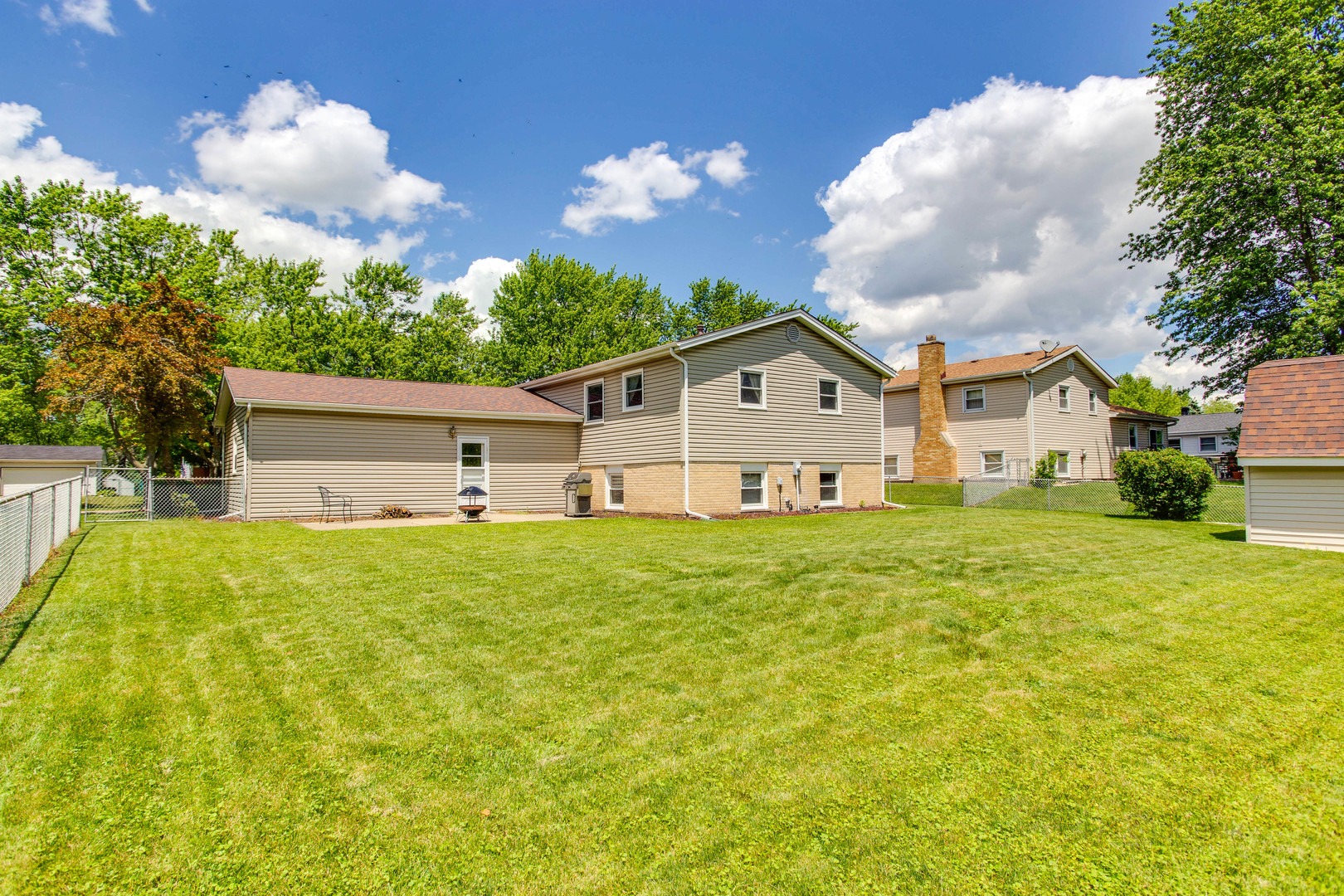 537 Maple, Darien, Illinois, 60561