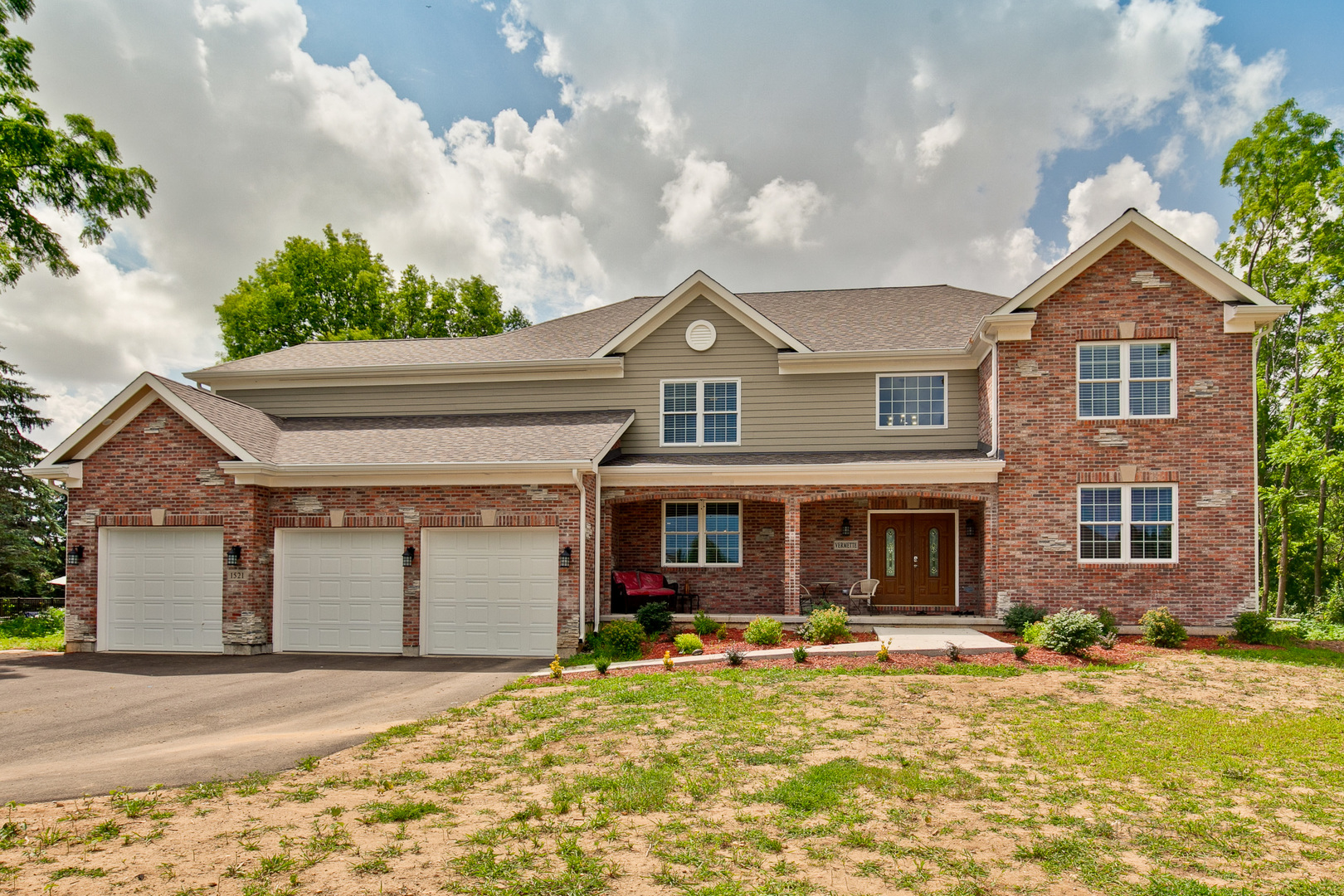 1521 Augusta Way, Spring Grove, Illinois 60081