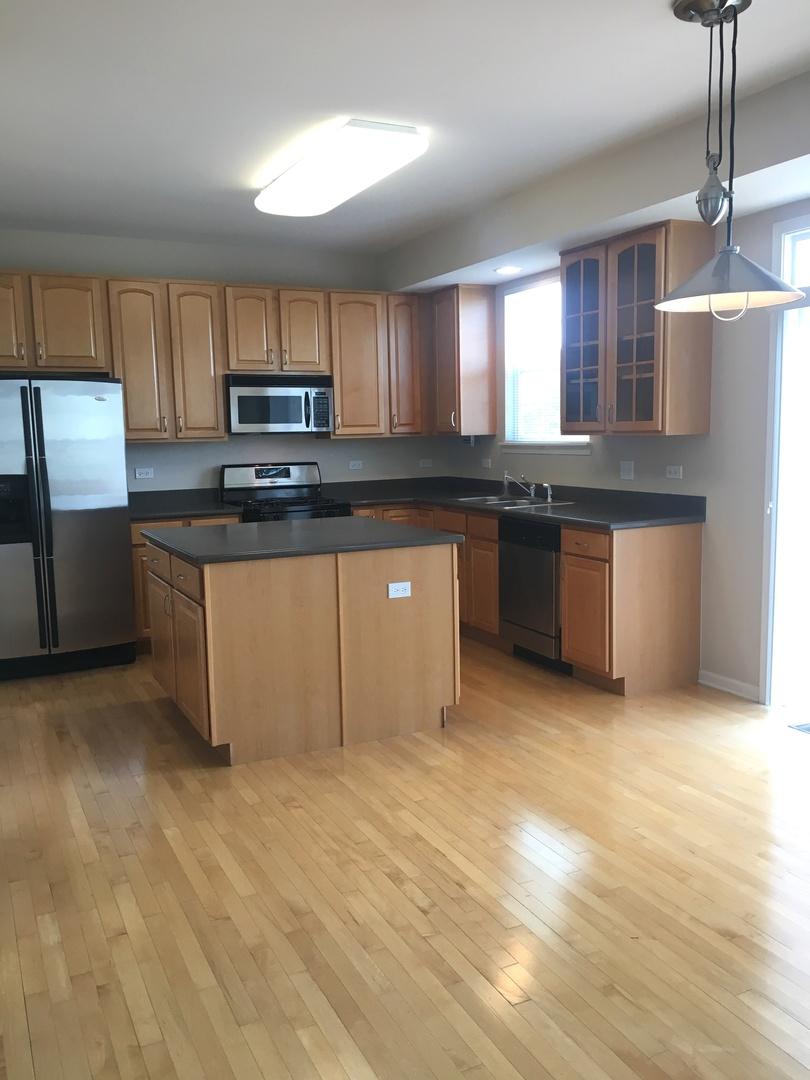 413 GLACIER, Streamwood, Illinois, 60107