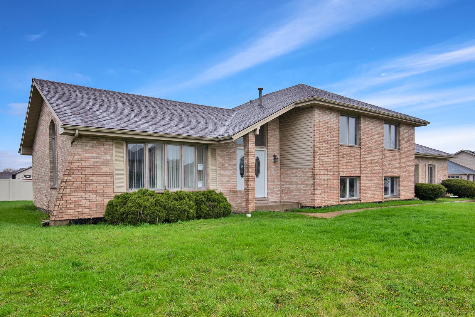 19000 Marylake, COUNTRY CLUB HILLS, Illinois, 60478