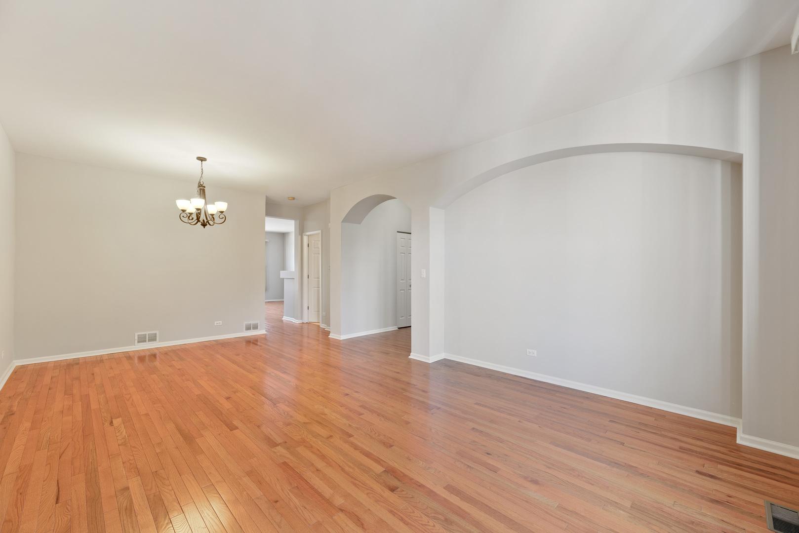 1136 Georgetown, Vernon Hills, Illinois, 60061