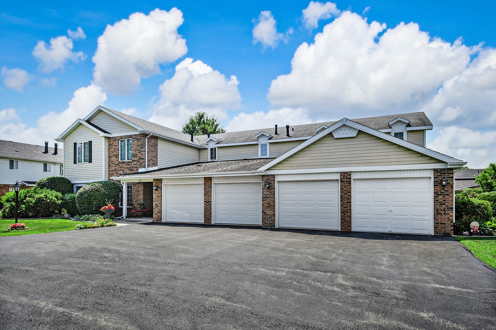 729 Birchwood 18A, WILLOWBROOK, Illinois, 60527