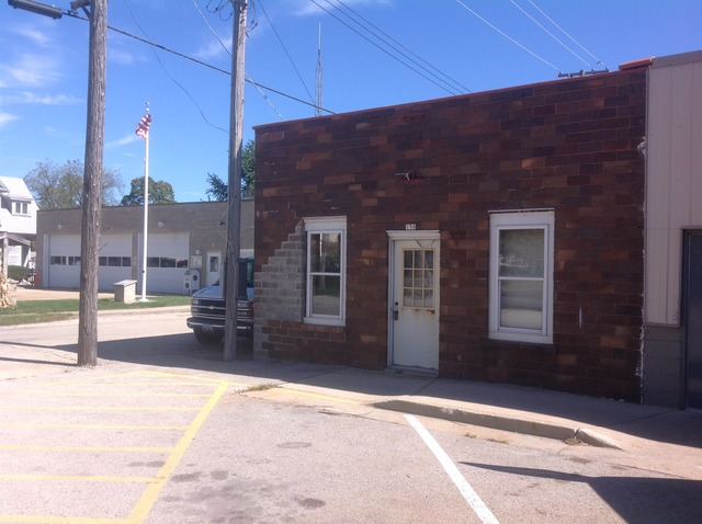 150 N Cedar Street, Waterman, IL 60556
