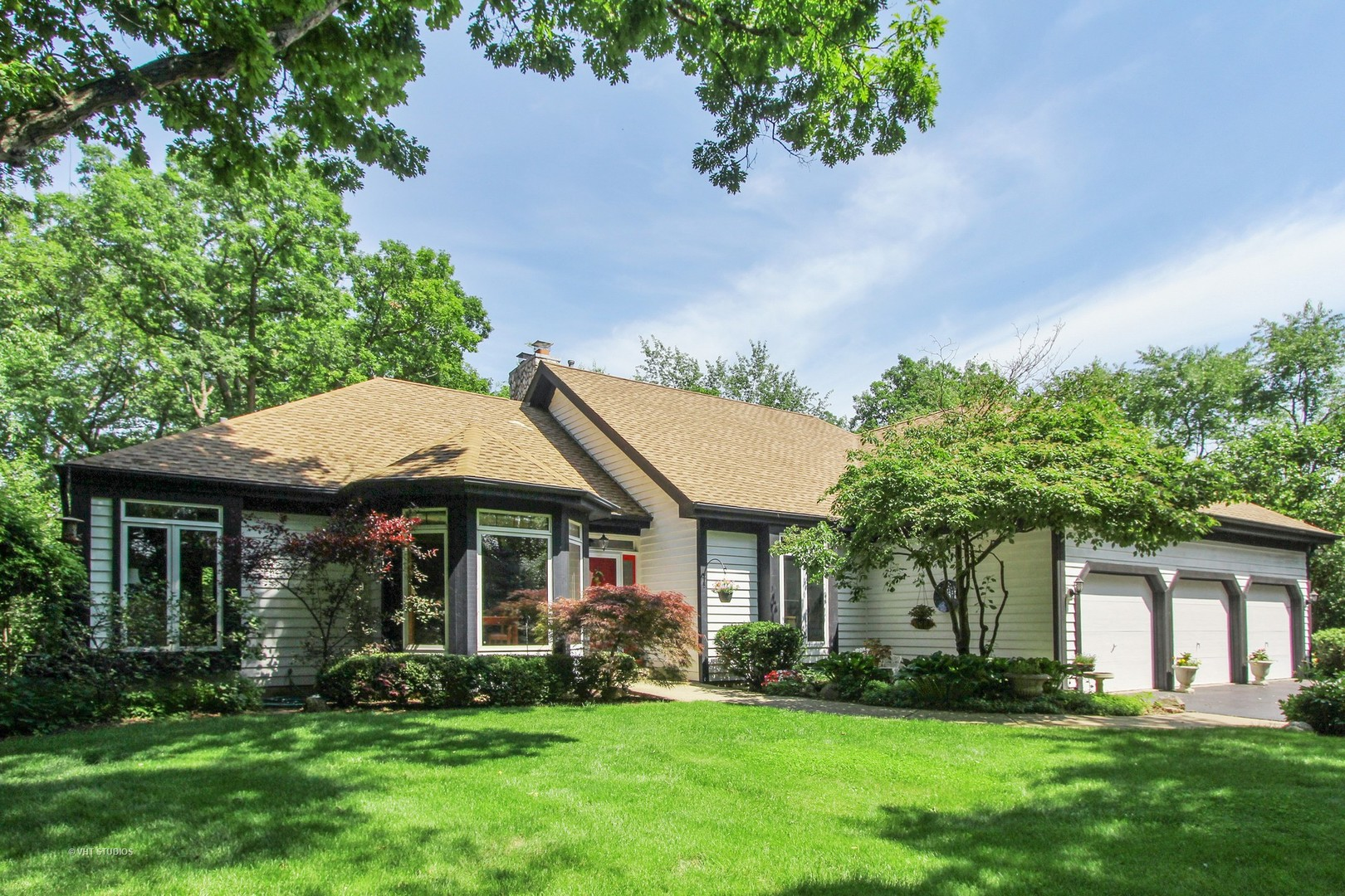 26073 West Laurel Court, Wauconda, Illinois 60084