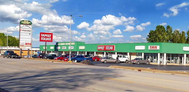 1500 S Lakeland Boulevard, Mattoon, IL 61938