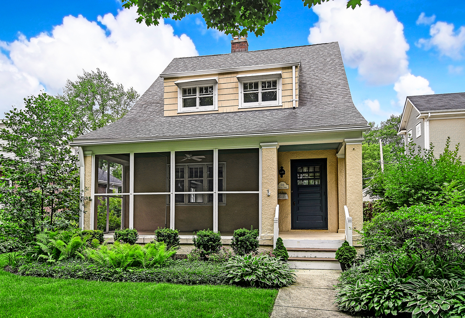 616 South Garfield, Hinsdale, Illinois, 60521