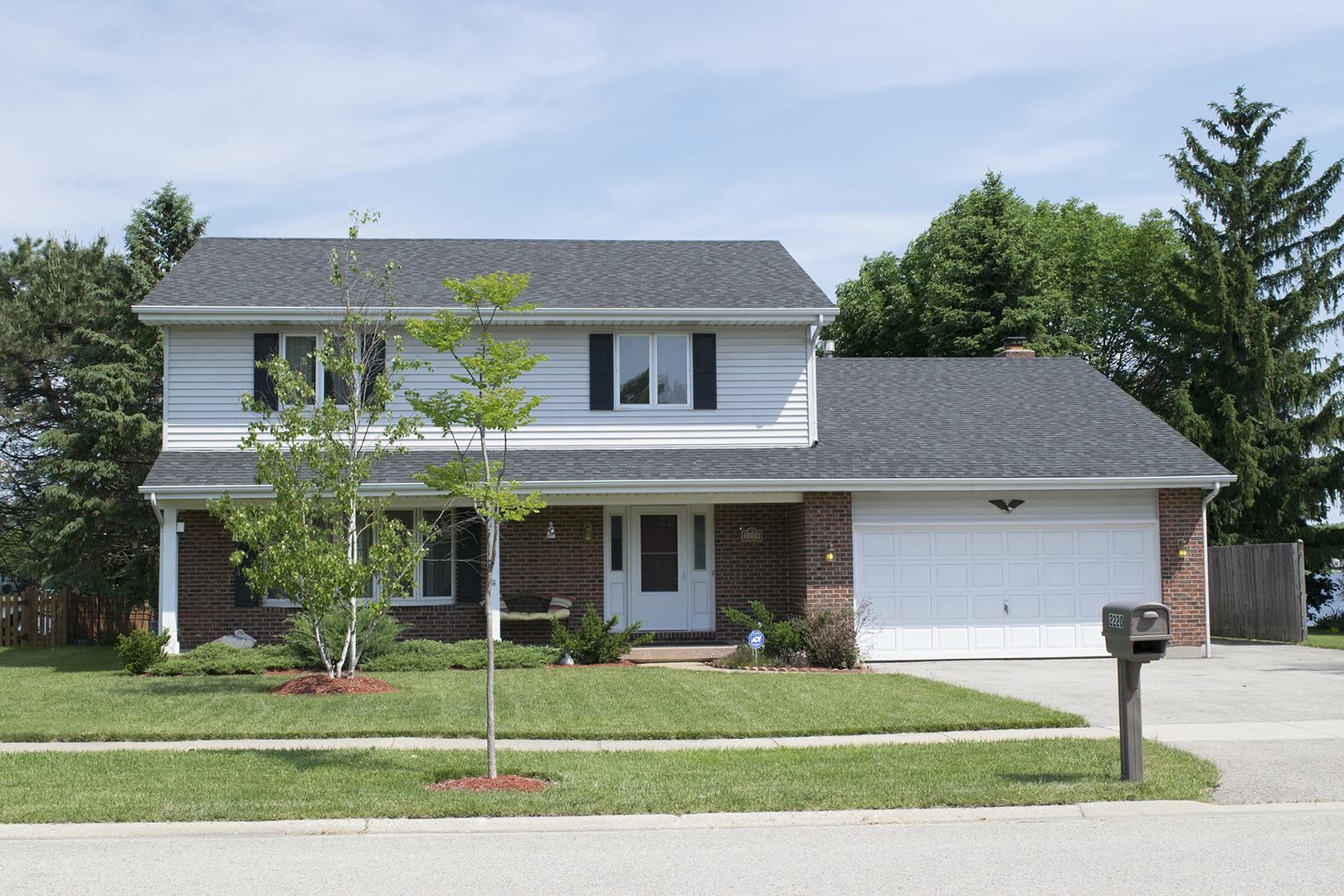 2220 High Point Drive, Lindenhurst, Illinois 60046
