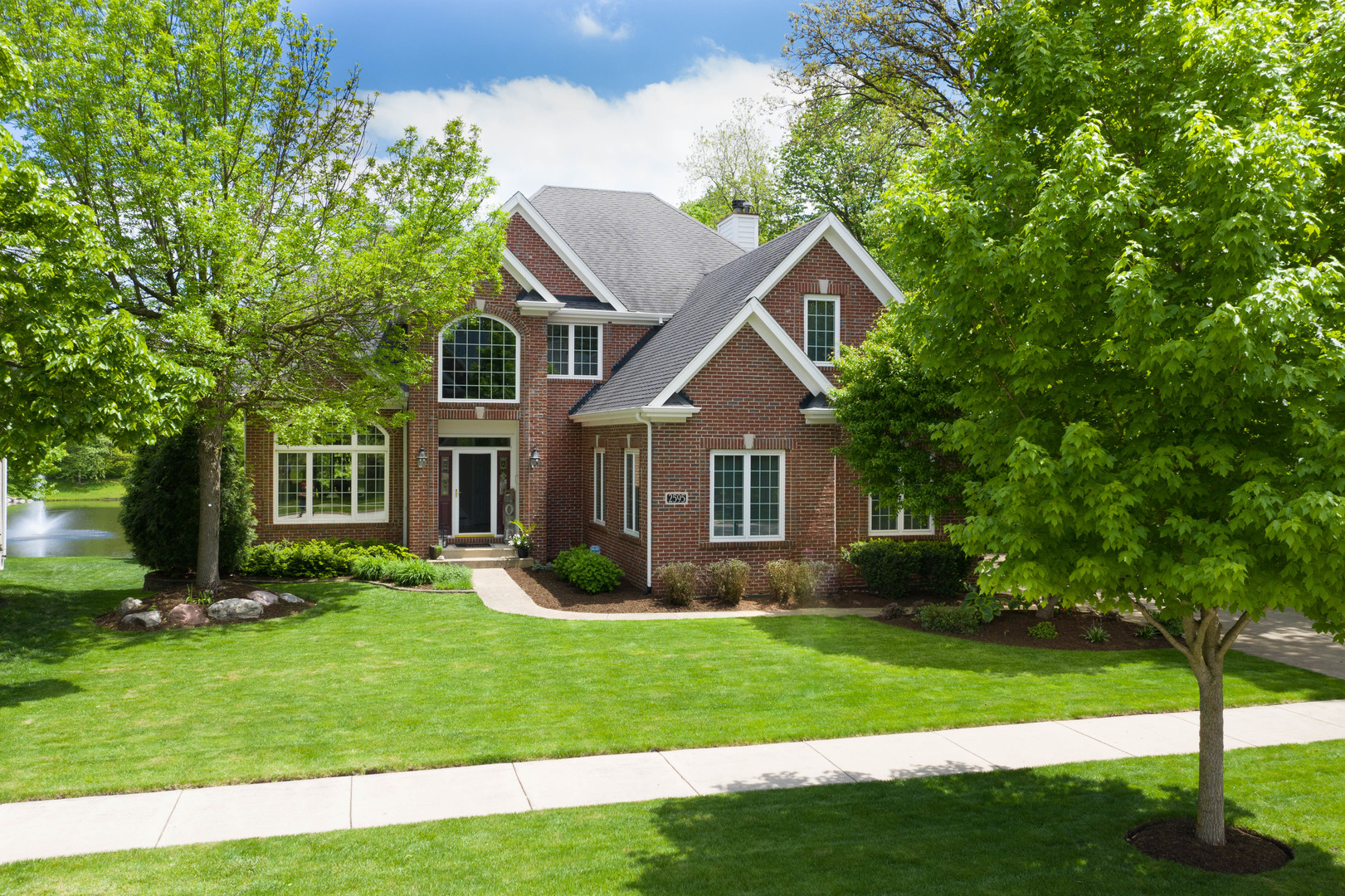 2595  Ginger Woods,  Aurora, Illinois