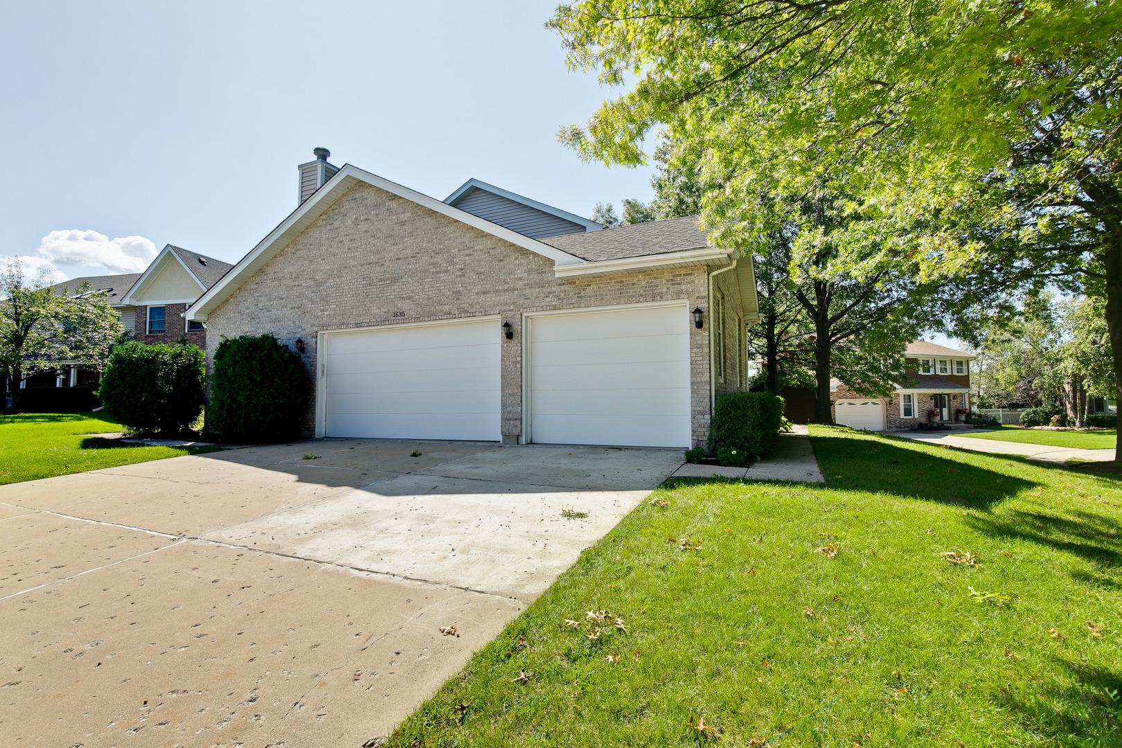 1635 Charlemagne, Hoffman Estates, Illinois, 60192