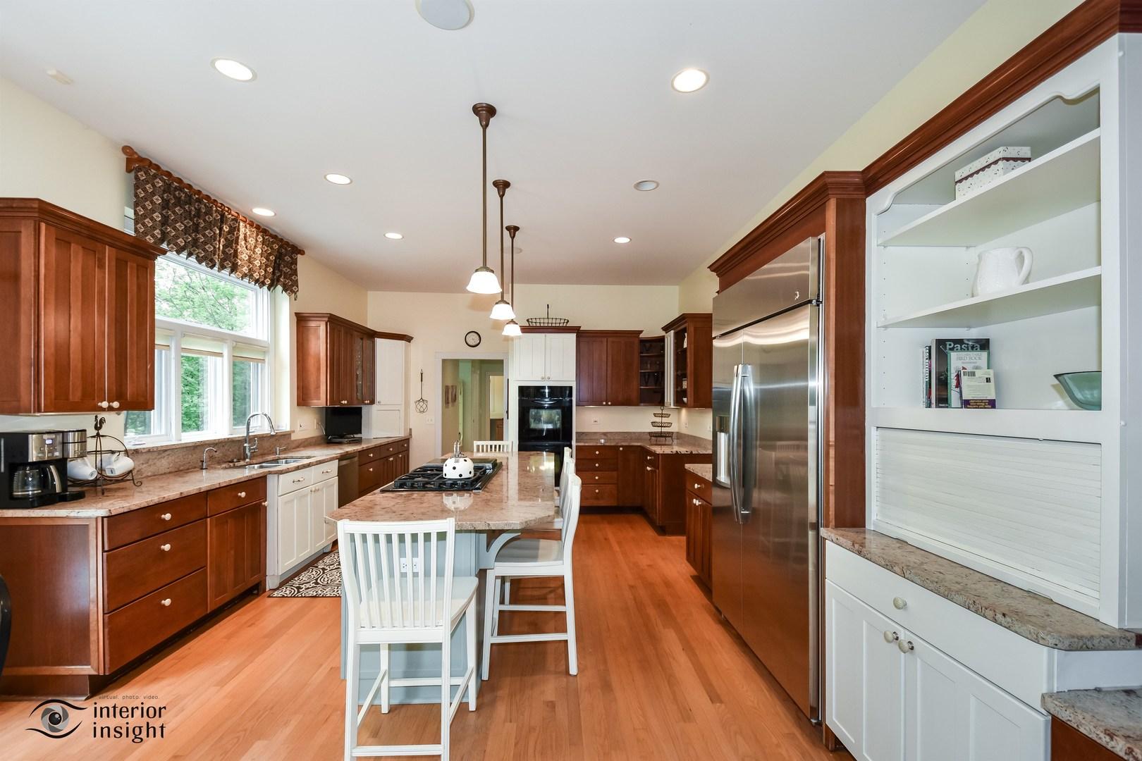 814 Becker, Glenview, Illinois, 60025