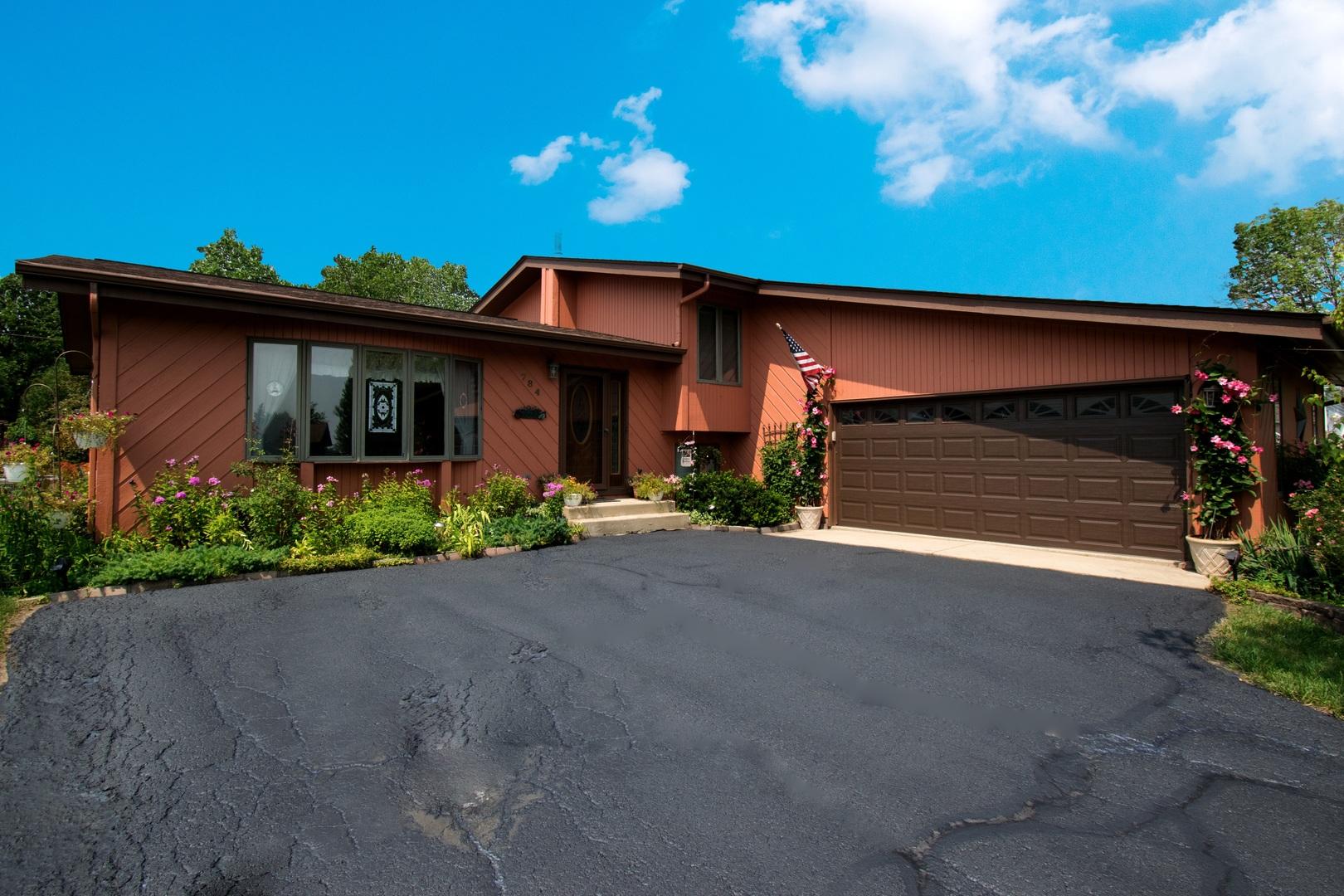 784 Monroe Drive, Lindenhurst, Illinois 60046
