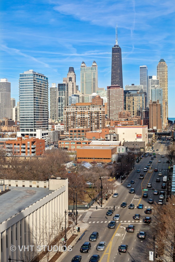 758 North Larrabee 214, CHICAGO, Illinois, 60654