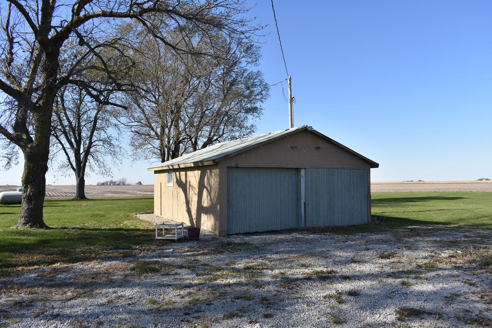488 East 2100 North, Danforth, Illinois, 60930