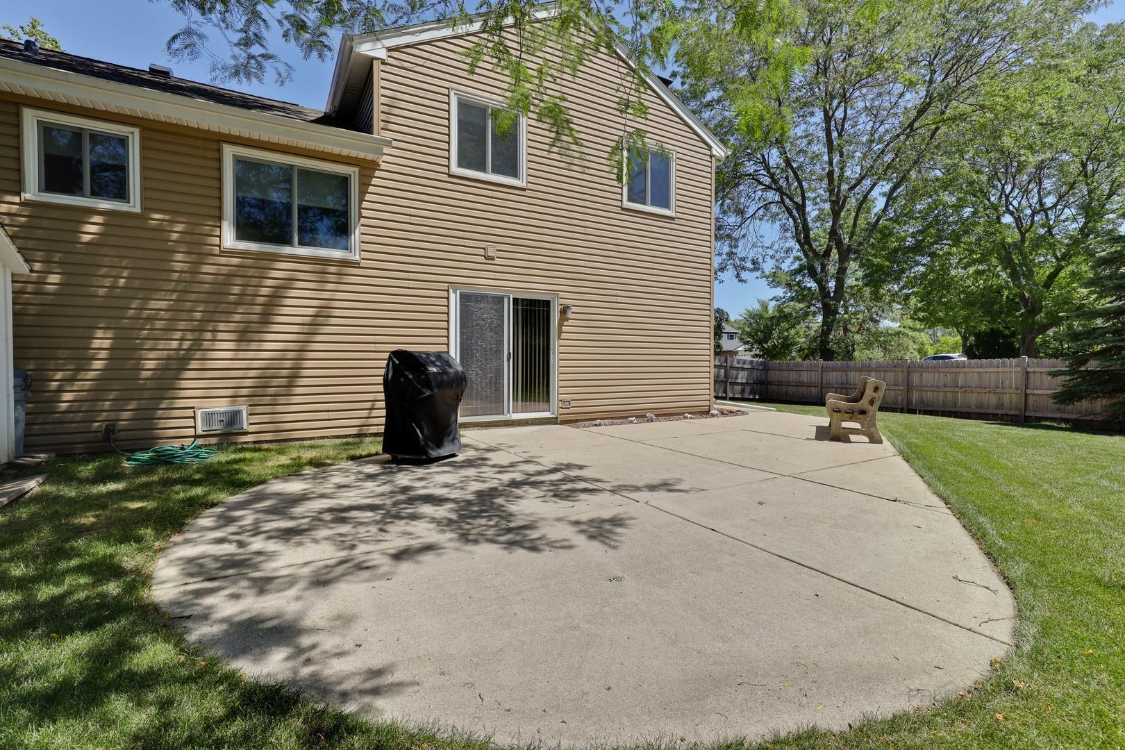 215 Augusta, Vernon Hills, Illinois, 60061