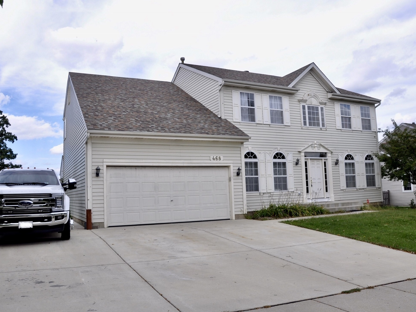 468 Nuthatch Way, Lindenhurst, Illinois 60046