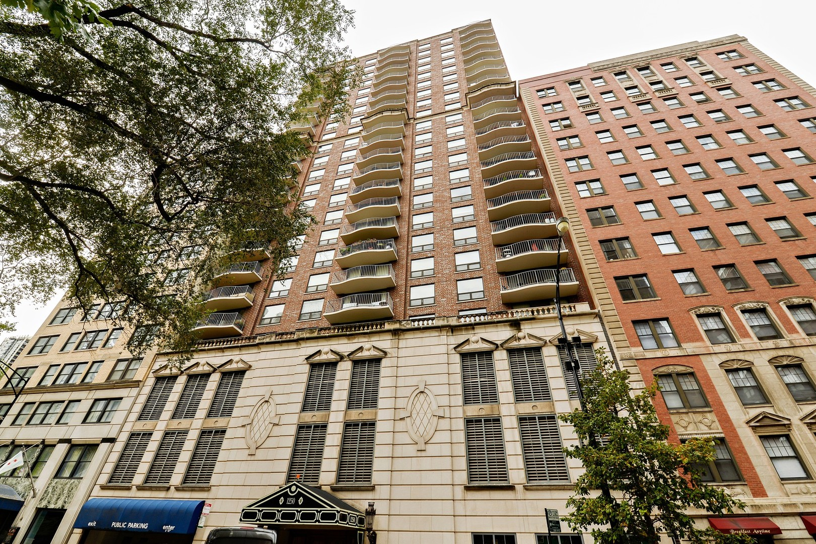 Property for sale at 1250 North Dearborn Parkway Unit: 8C, Chicago-Near North Side,  IL 60610