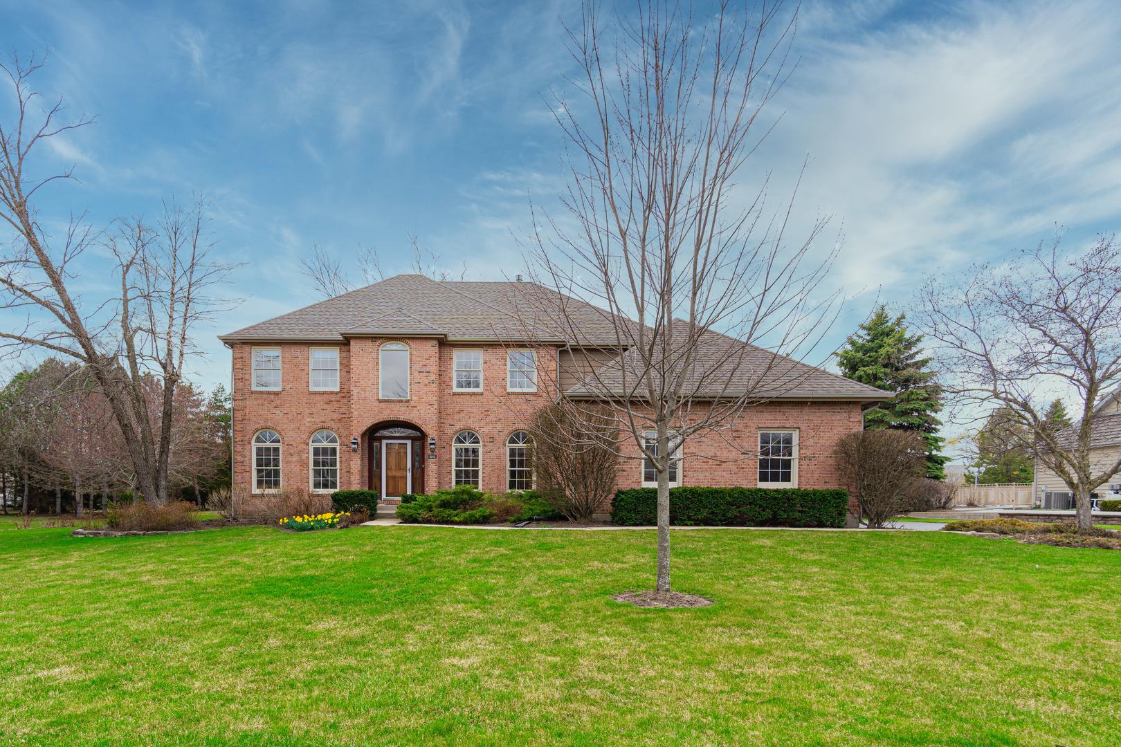18192 W Pond Ridge Circle, Gurnee, Il 60031