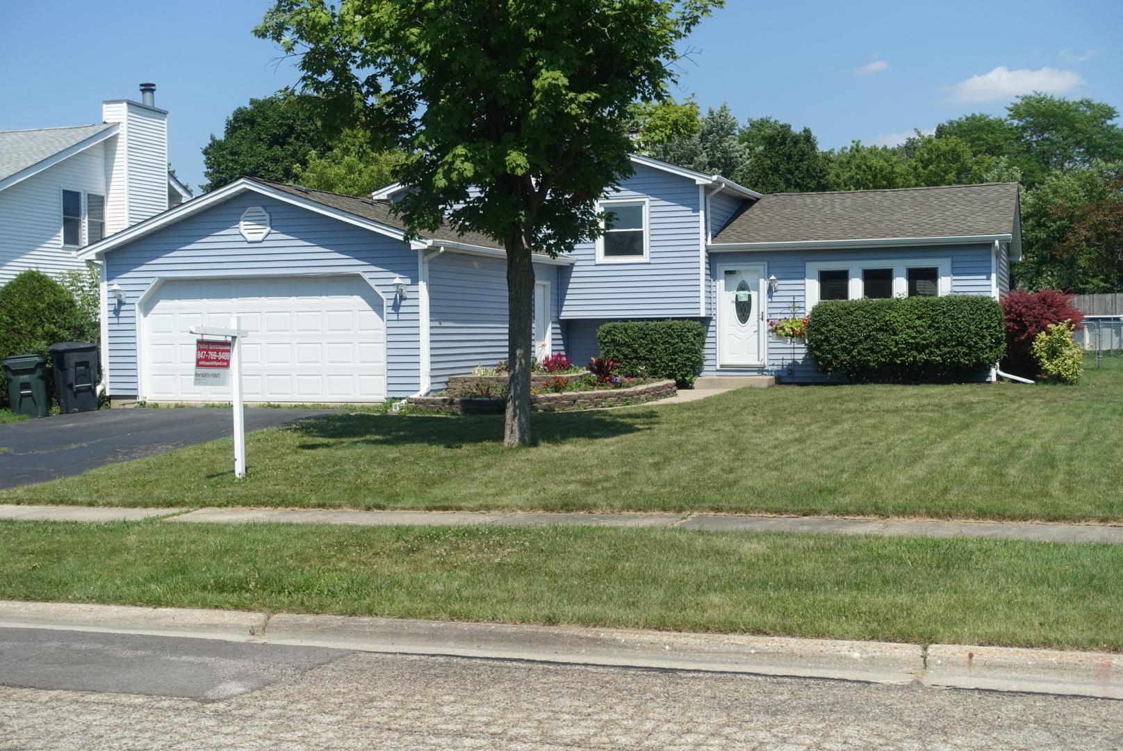 891 Jefferson Drive, Lindenhurst, Illinois 60046