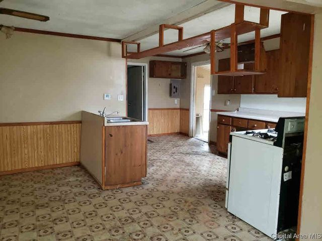 223 South Logan, Out Of Market Area, Illinois, 62664