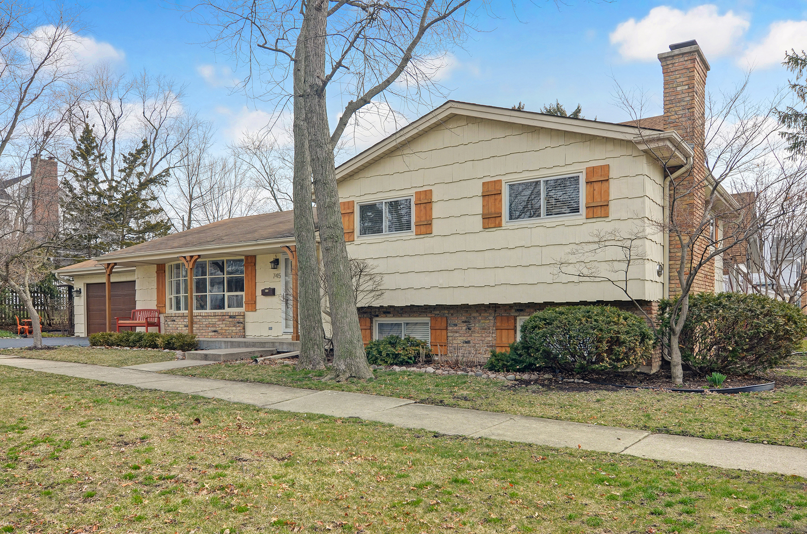 745 Town Place, Hinsdale, Illinois 60521