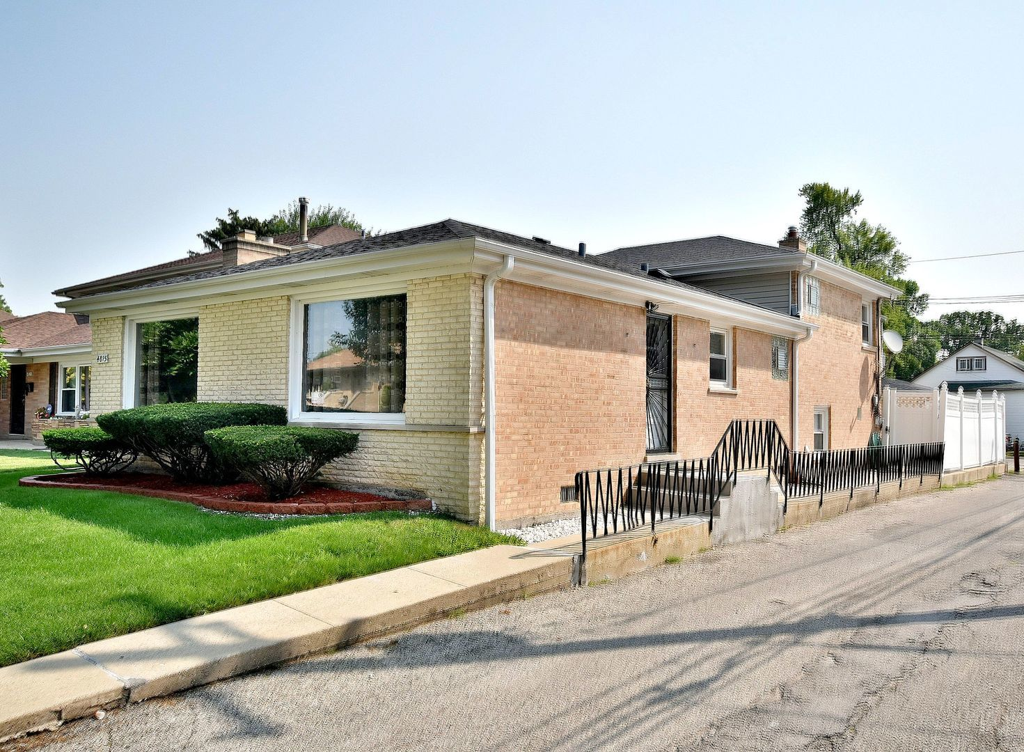 4815 N Rutherford Exterior Photo