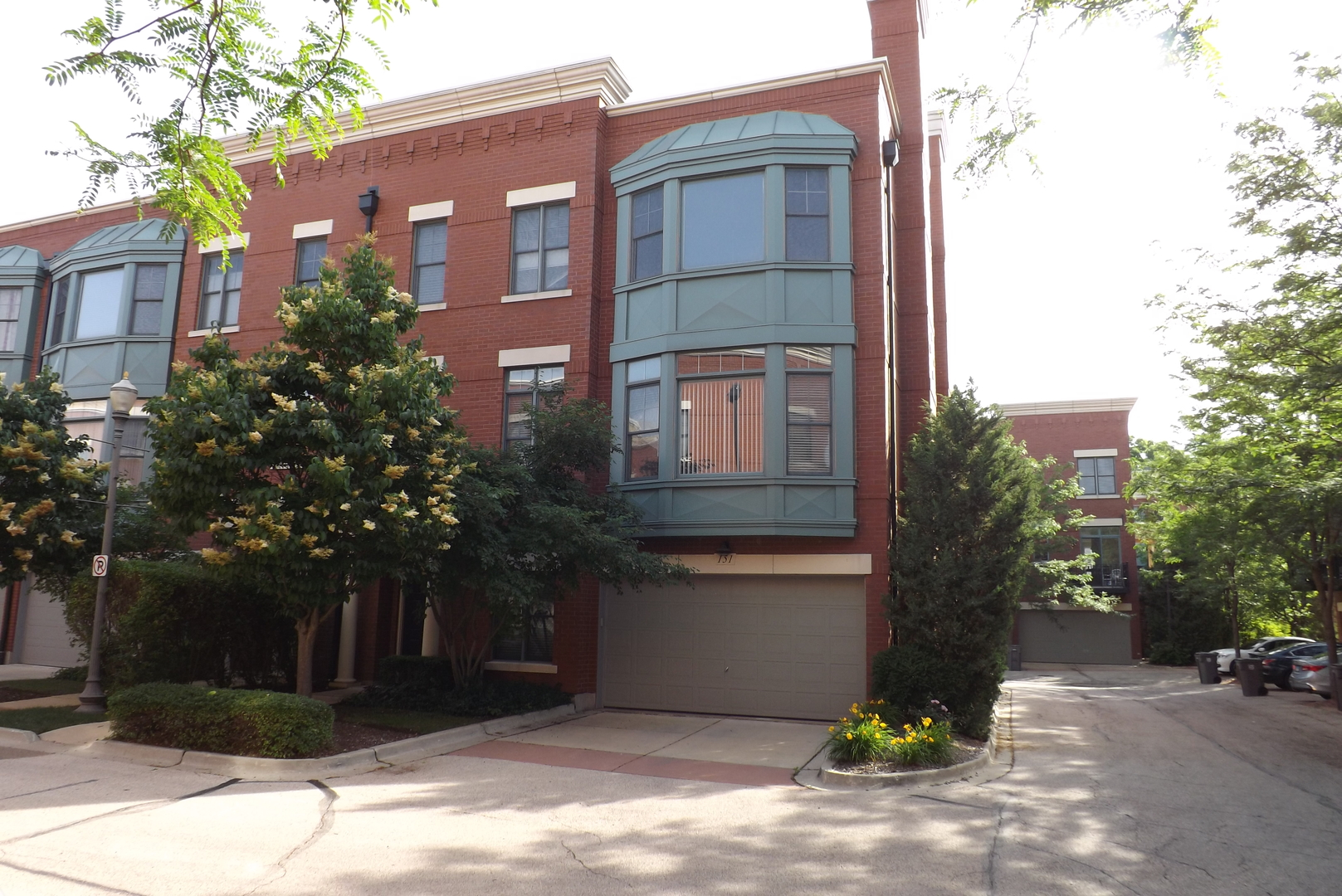 151  River Walk,  ELGIN, Illinois