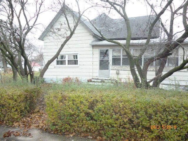 5 S Richman Street, Villa Grove, IL 61956