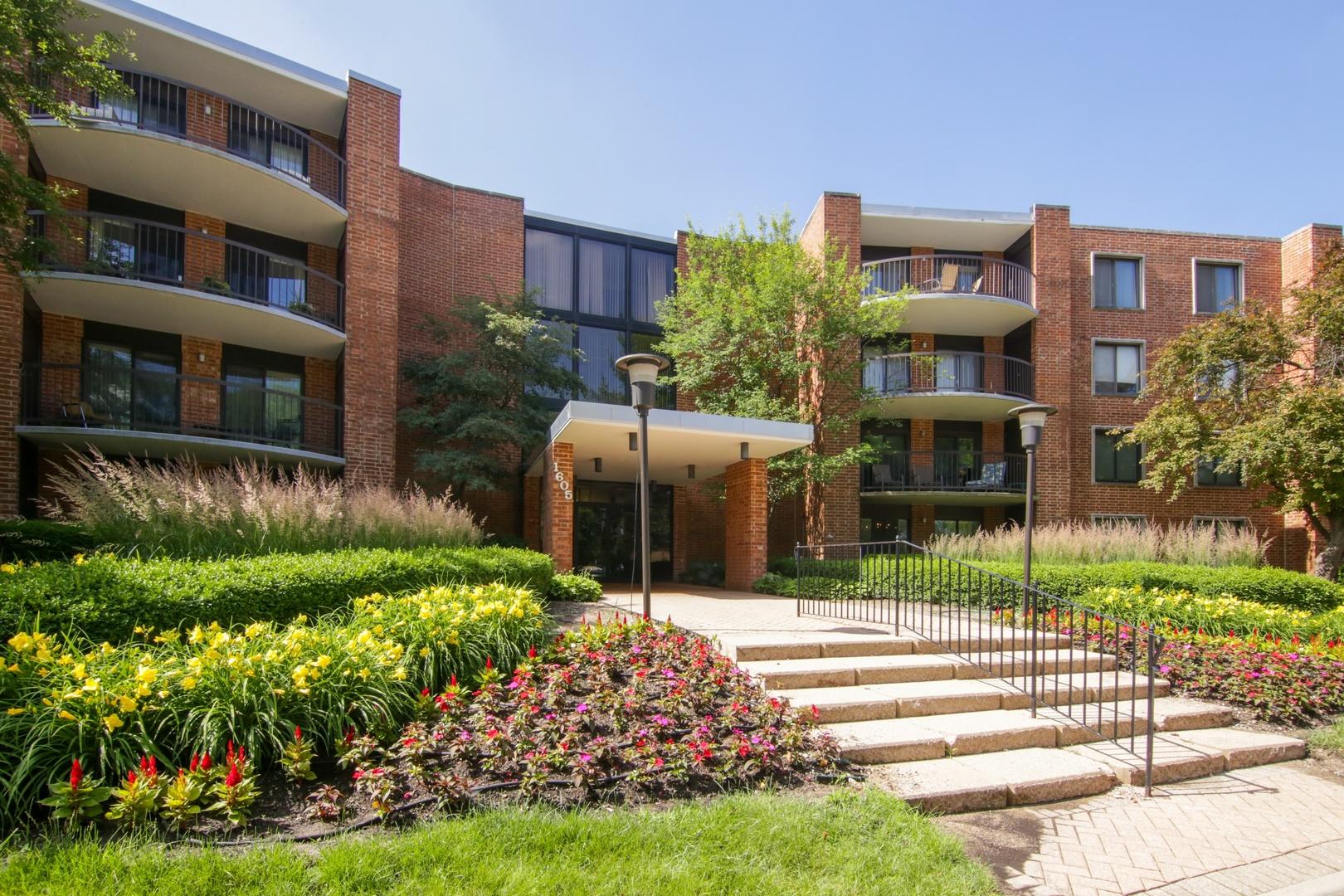 1605 East Central Road, Unit 216b, Arlington Heights, Illinois 60005