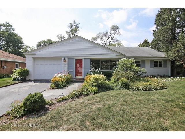 3223 Sprucewood Road, Wilmette, IL 60091
