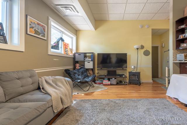 5301 West Newport, CHICAGO, Illinois, 60641