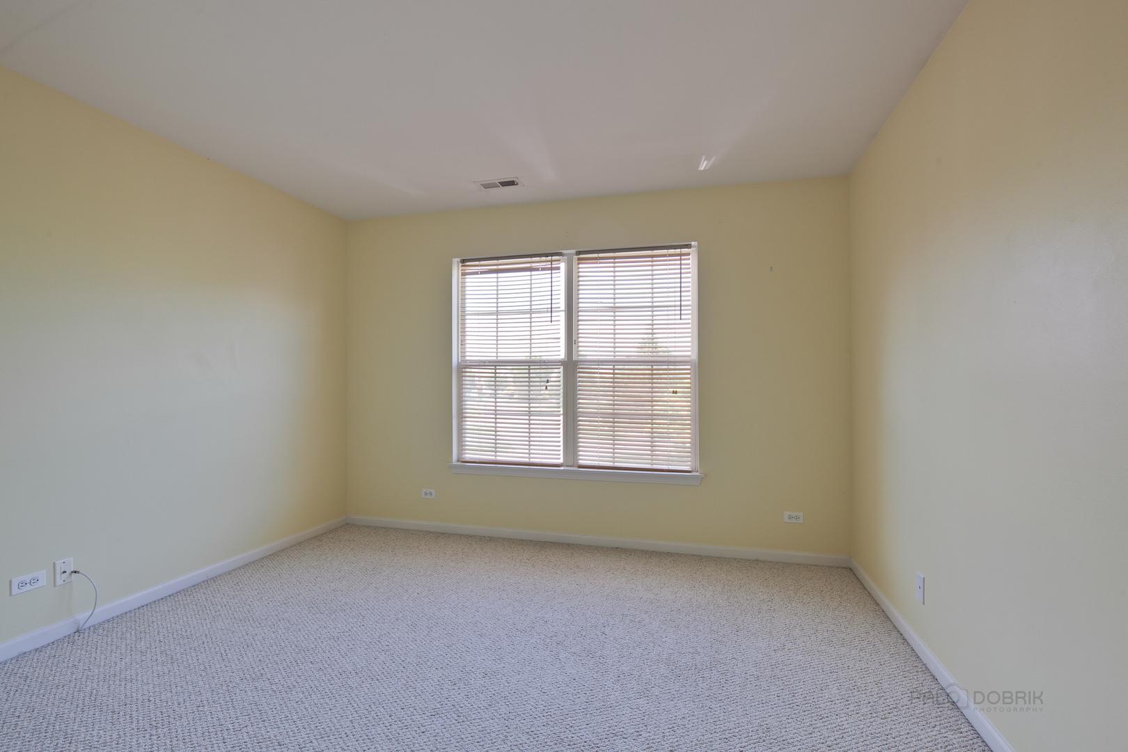 1370 REDBRIDGE, Grayslake, Illinois, 60030
