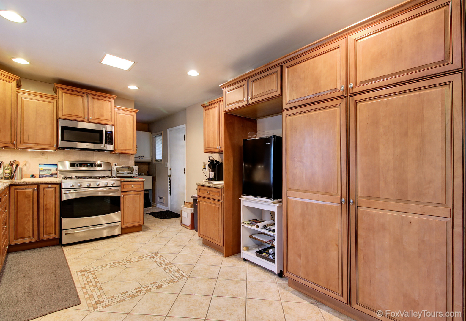 1620 Southlawn, AURORA, Illinois, 60506
