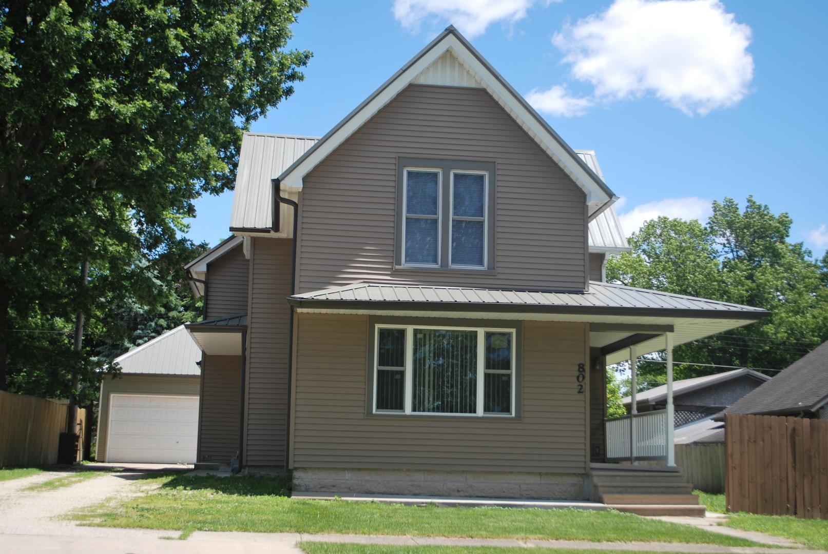 802 Douglas, ASHTON, Illinois, 61006