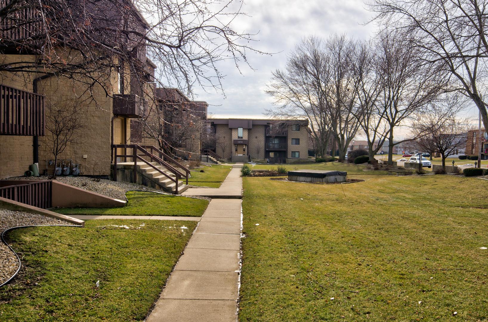 1510 North Rock Run 3B, Crest Hill, Illinois, 60403
