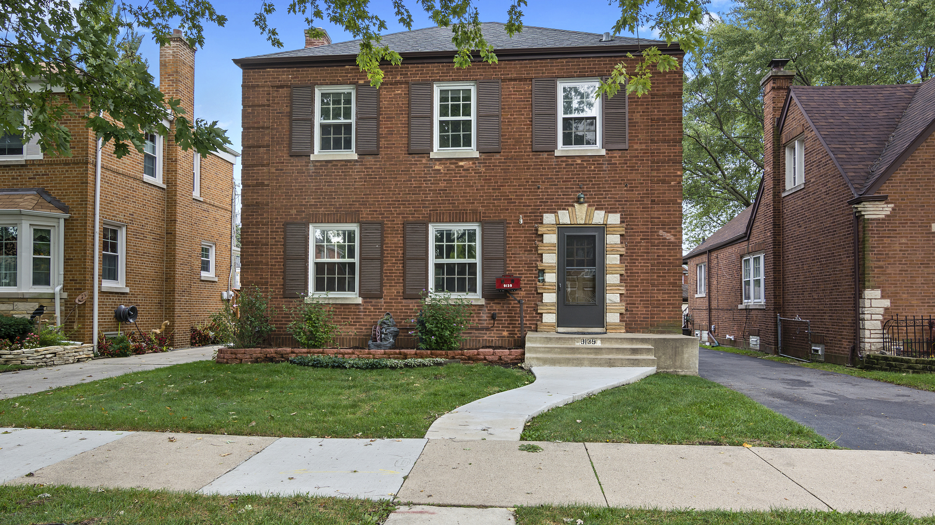 9139 S Bell Exterior Photo