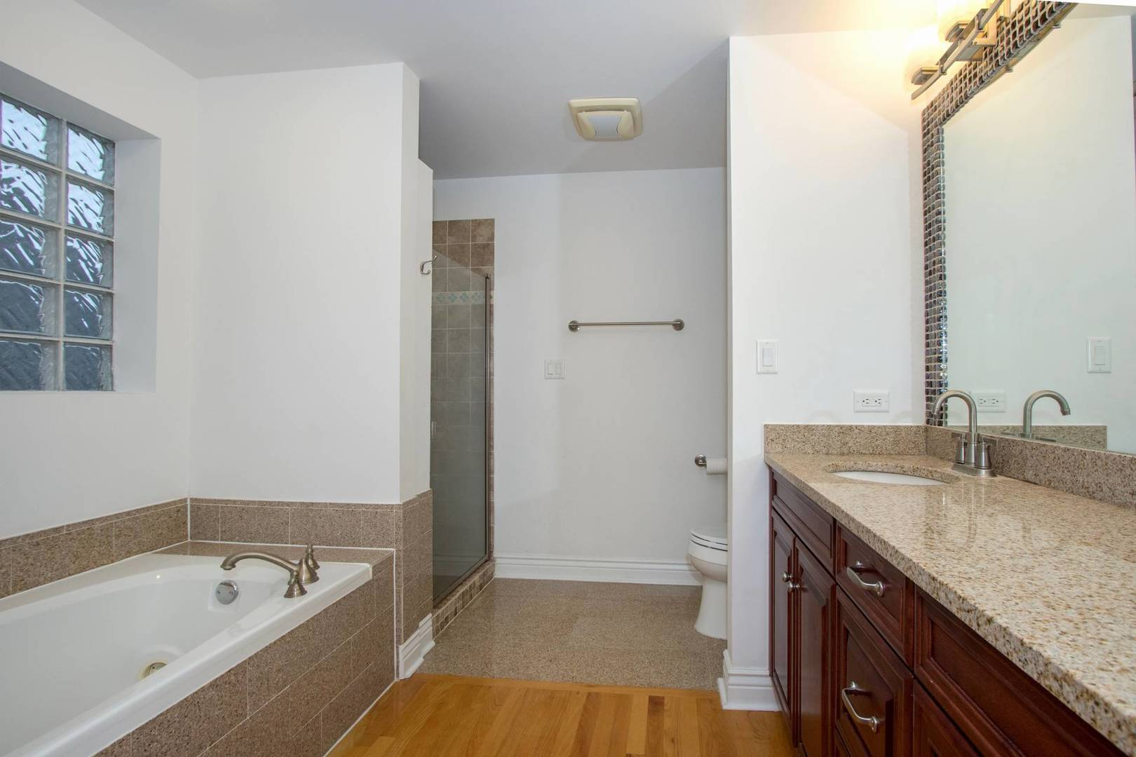 3004 South Canal, CHICAGO, Illinois, 60616