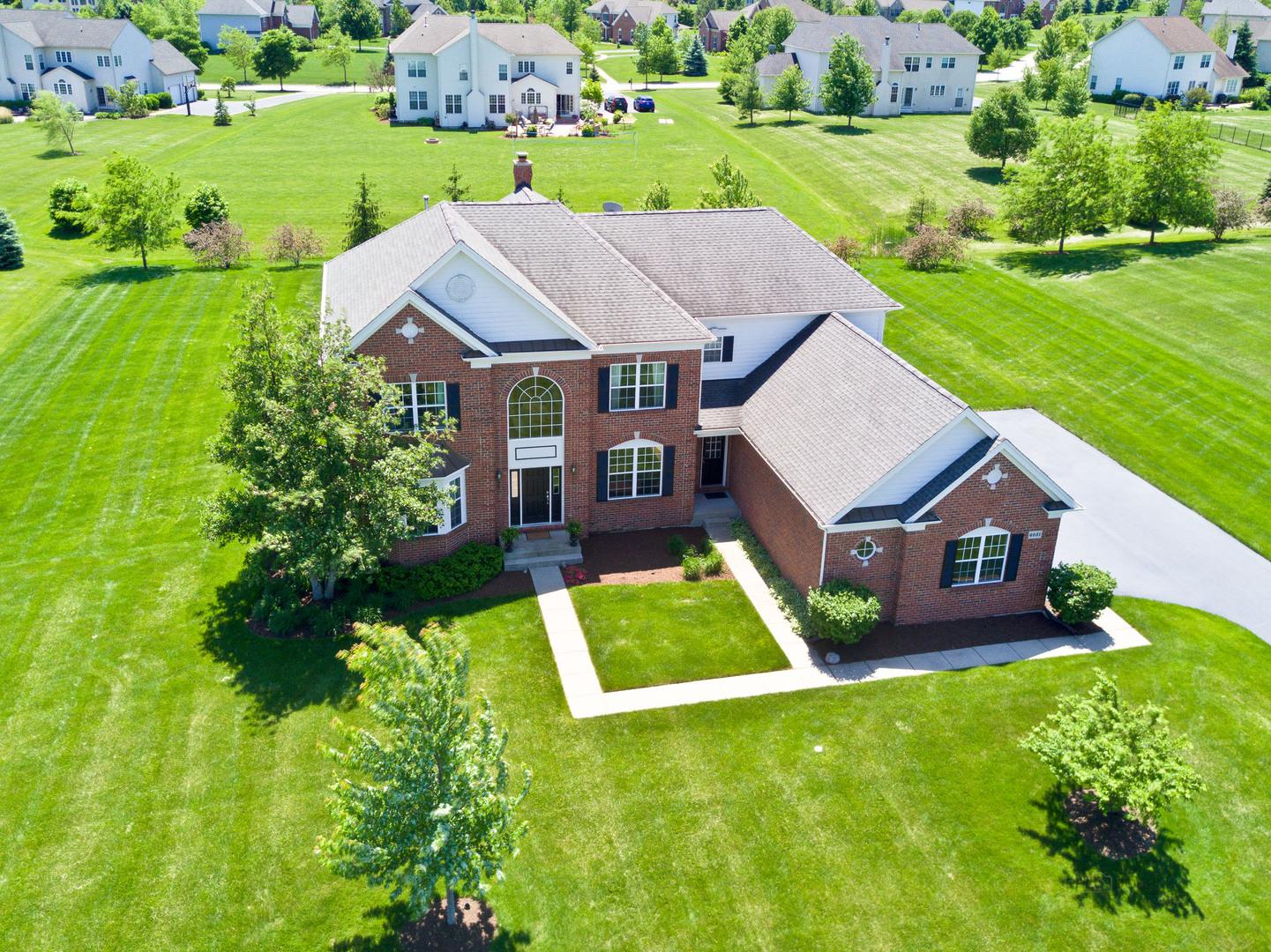 6051 Westminster Lane, Gurnee, Illinois 60031