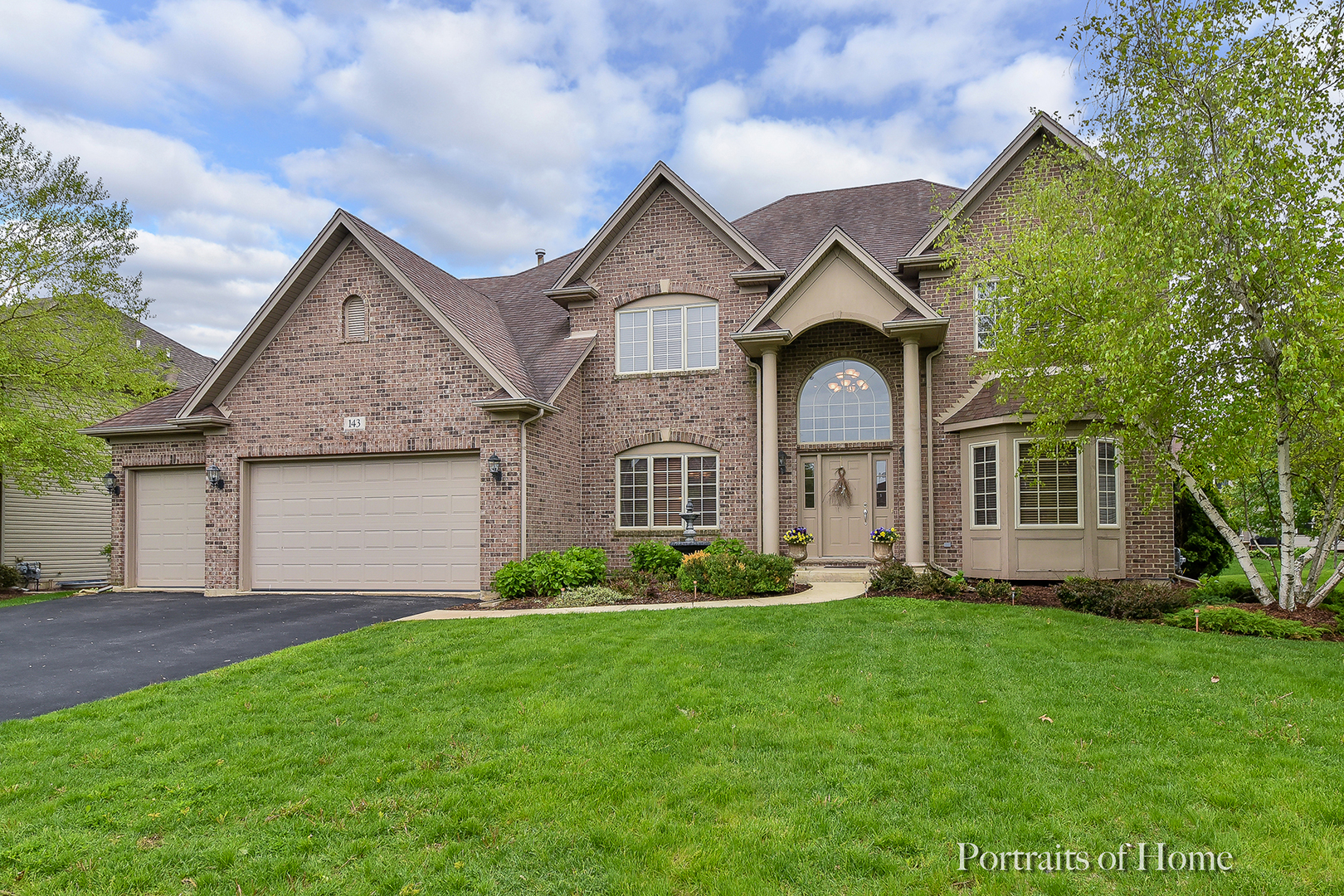 143 Pineridge, Oswego, Illinois, 60543