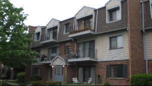 3243 MILWAUKEE Avenue 2D, Northbrook, IL 60062