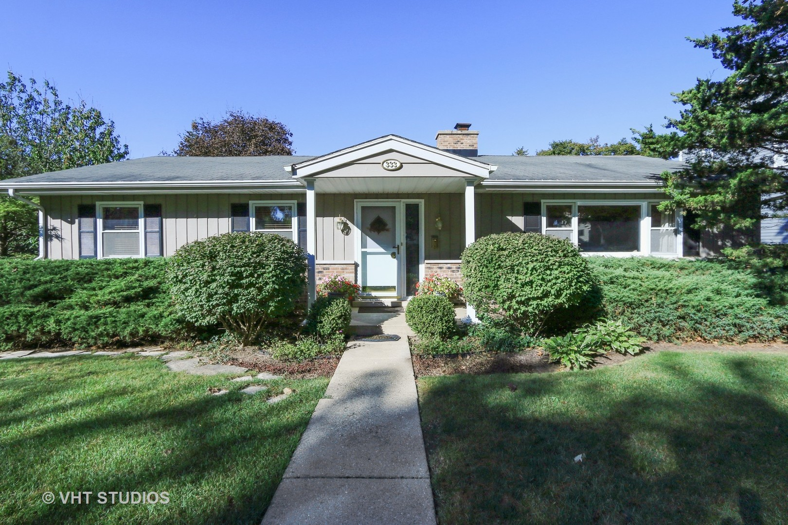 333 Butterfield Lane, Libertyville, Illinois 60048