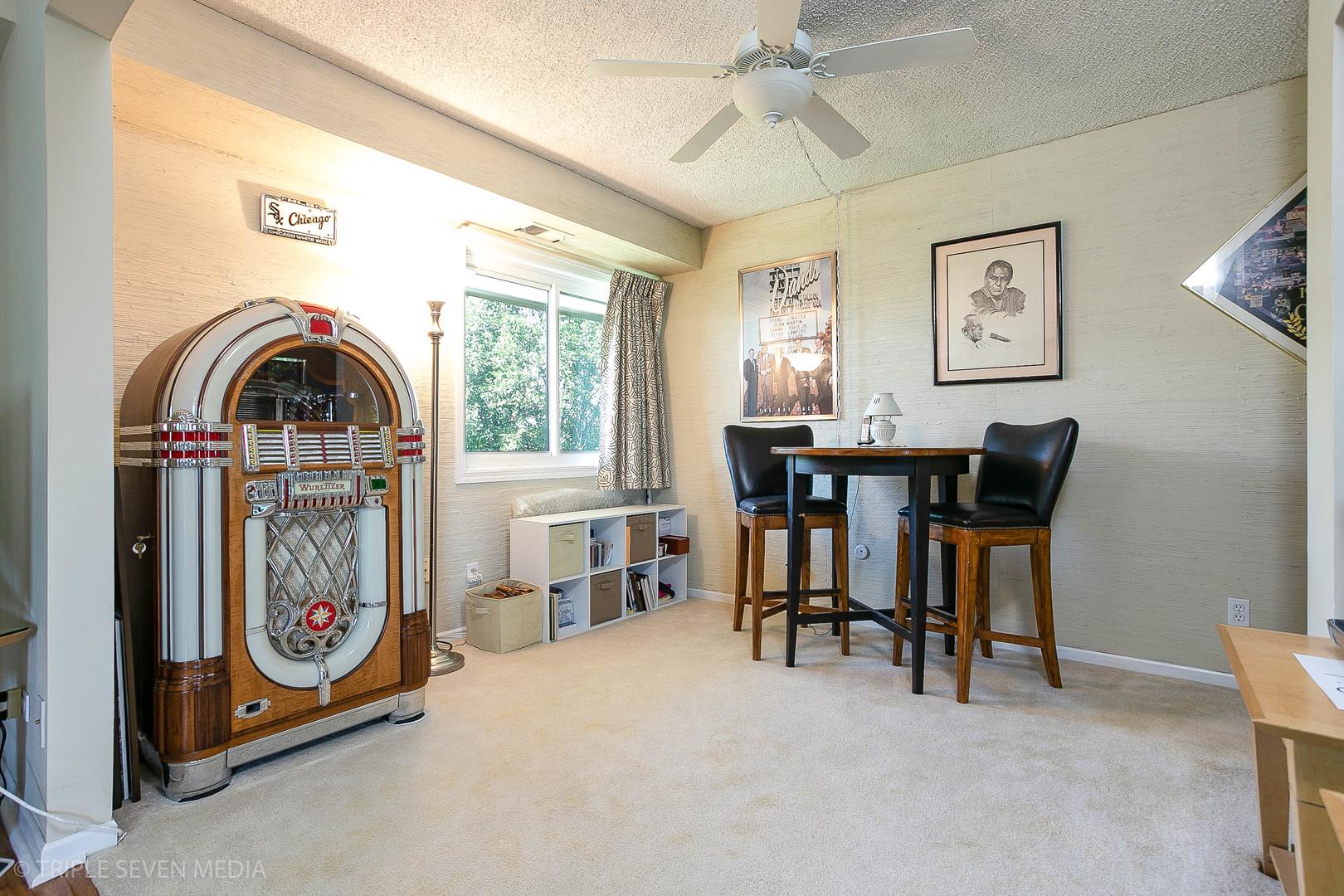 1501 Woodbridge 3E, Joliet, Illinois, 60436