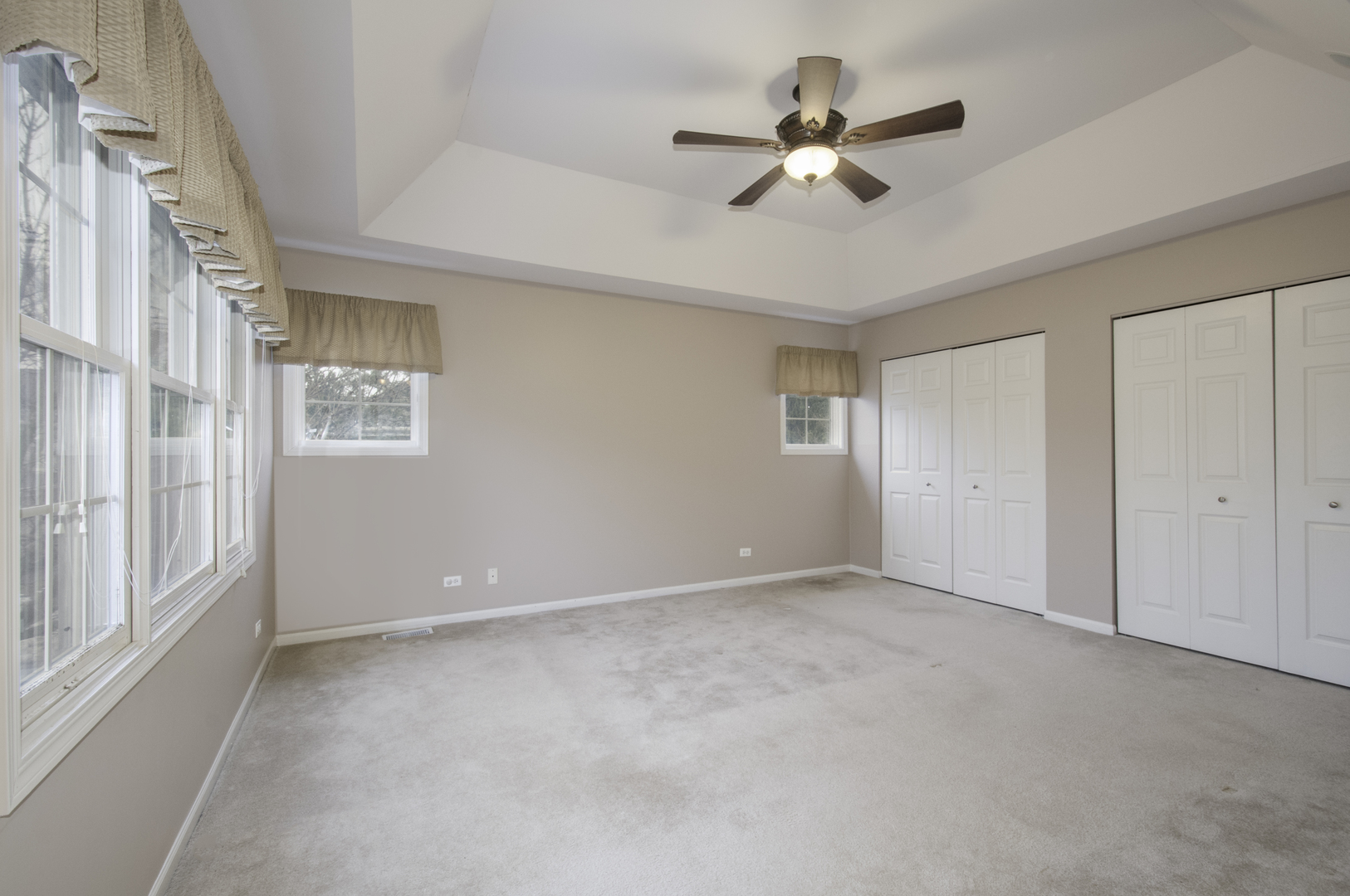 215 WILDFLOWER, La Grange, Illinois, 60525