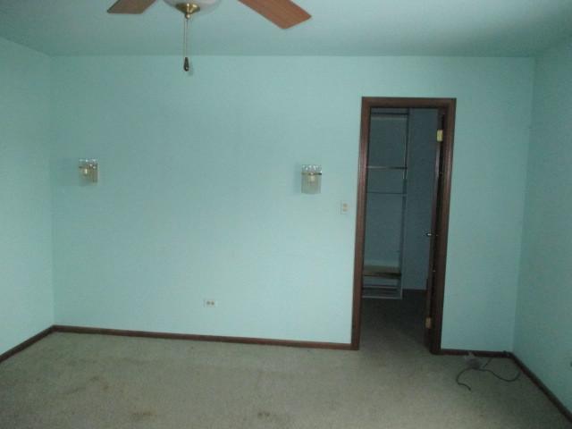 9500 North WASHINGTON 302, NILES, Illinois, 60714