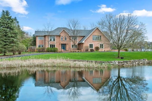 8 Moate Lane, Barrington Hills, Illinois 60010