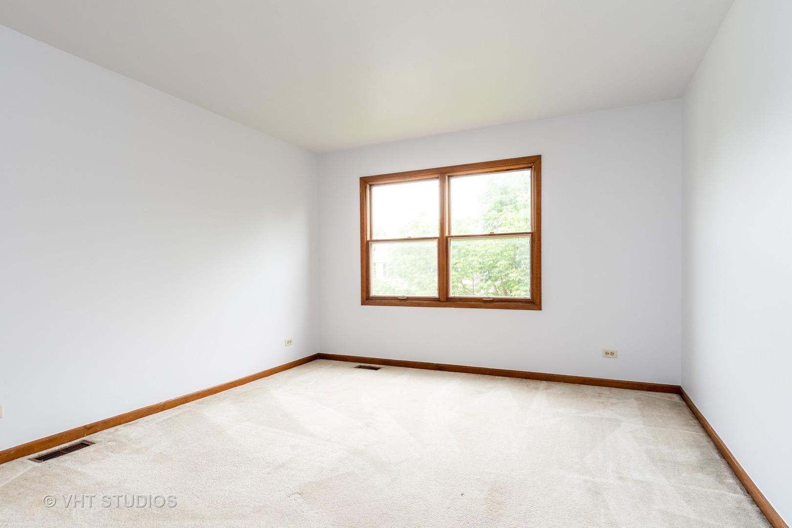140 BRECKENRIDGE, AURORA, Illinois, 60504
