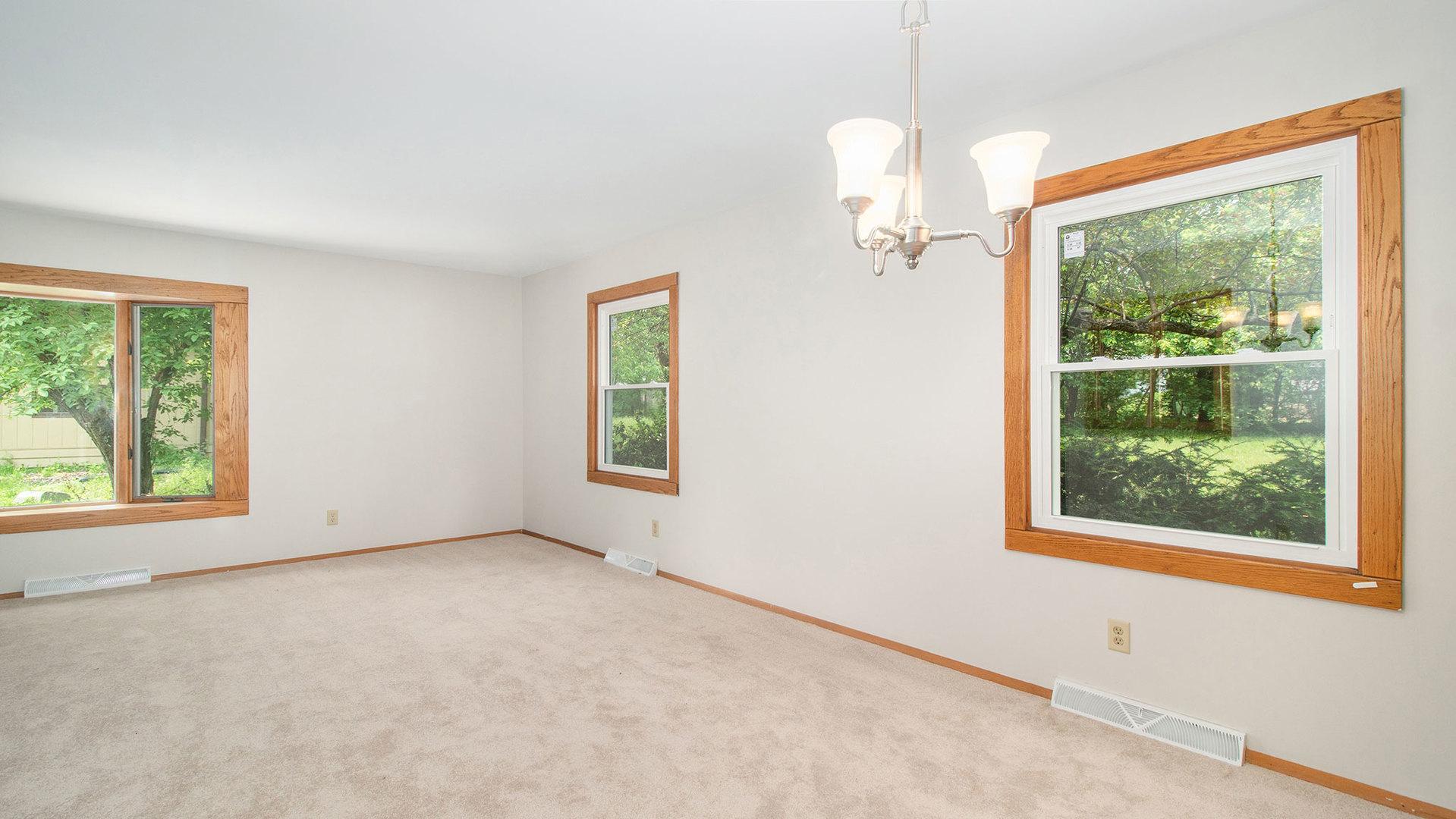 43W830 Oakleaf, ELBURN, Illinois, 60119