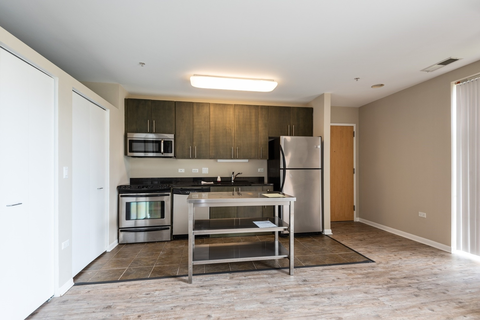 1740 Oak 406, Evanston, Illinois, 60201