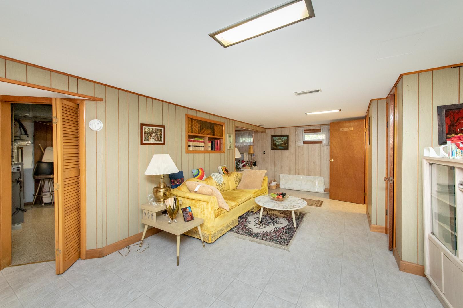 4418 Ruby, Schiller Park, Illinois, 60176