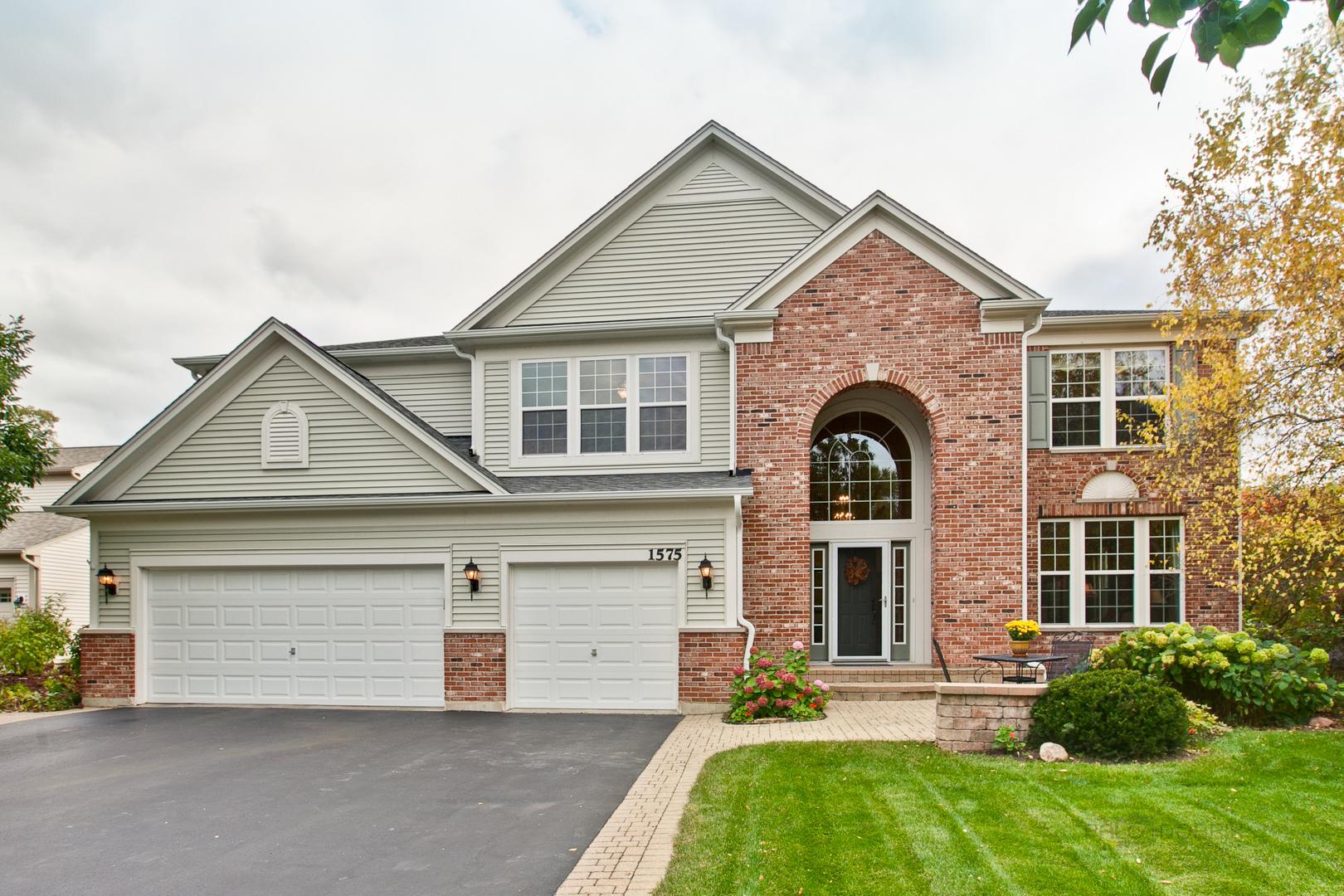 1575 Mcclellan Drive, Lindenhurst, Illinois 60046